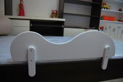 Zabezpieczenie boczne łóżka
